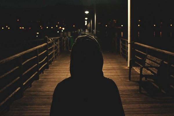 (Ne Pas) Marcher à l'ombre